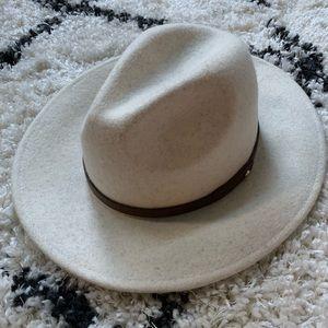 Free People Leather Band Felt Hat. NWT